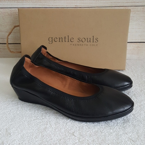 62a89440e70 New Gentle Souls by Kenneth Cole Natalie Wedges